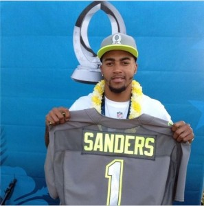 DeSean Jackson proudly displaying his Team Sanders jersey. Image via jaccpot10 on Instagram